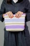 Pouch o bolso de mano rayas lilas